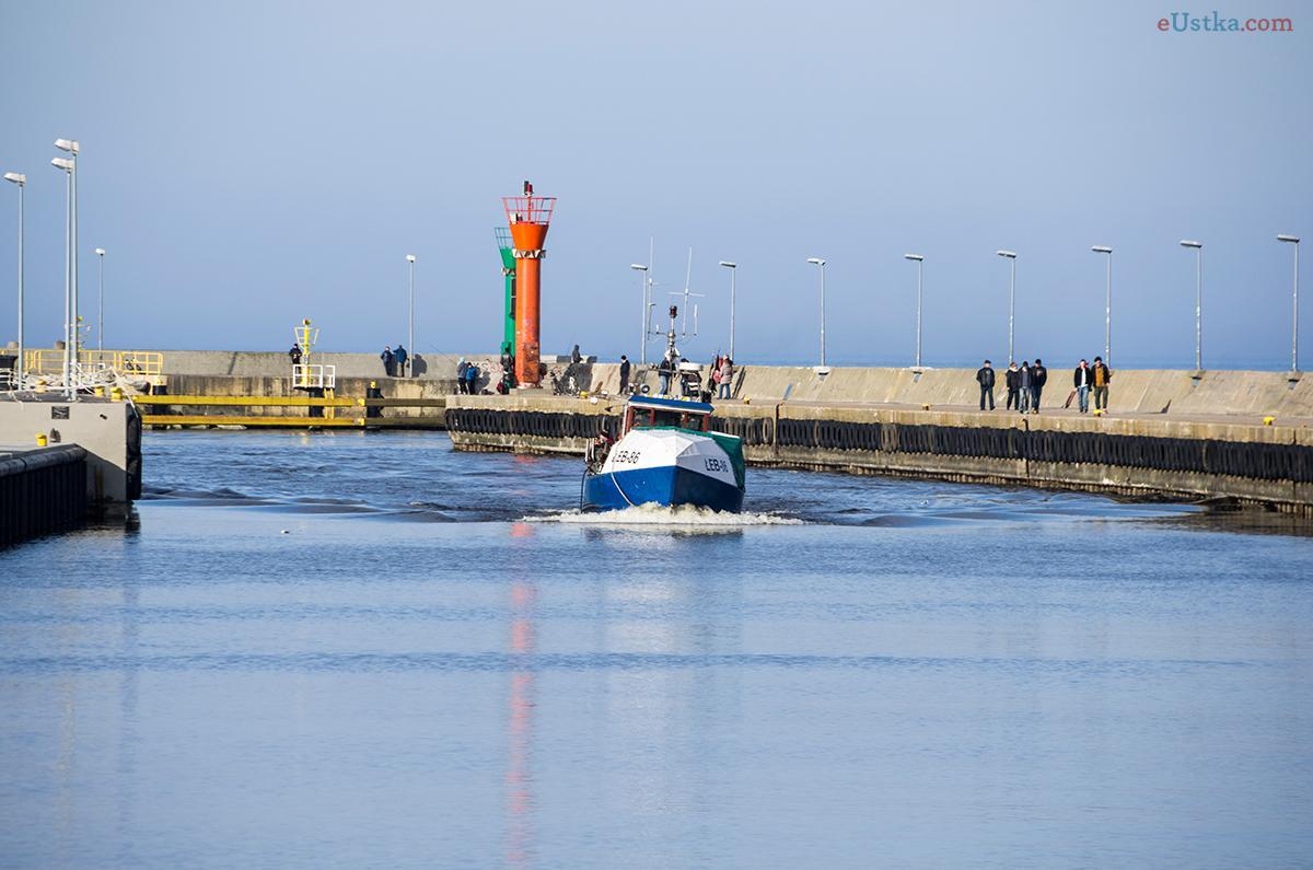 Łeba - wejście do portu