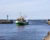 Powrót statków do portu w Ustce 16